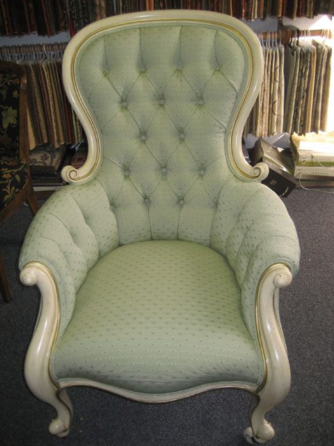 diamond button back chair